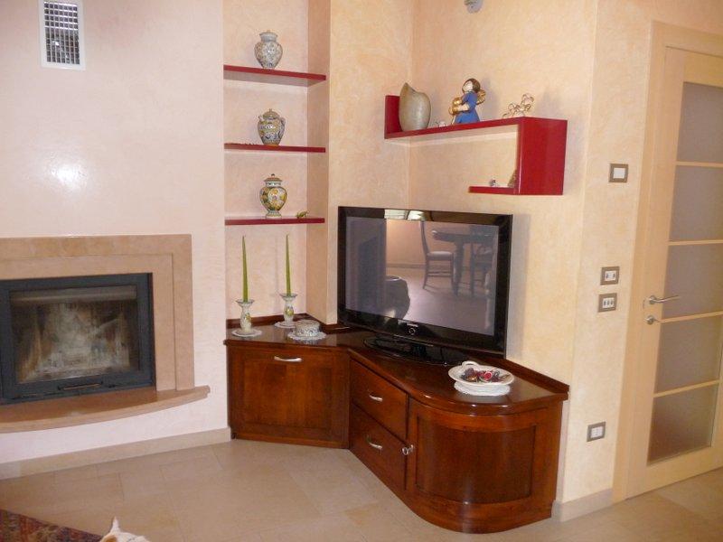 Mobili Tv Classici : Mobili stile classico siria arredamenti